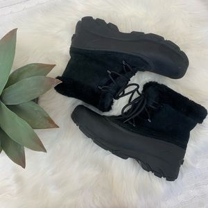 Sorel snow angel black suede thinsulate boots 9.5